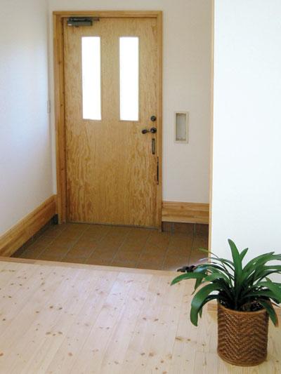 305草刈邸ドア.jpg